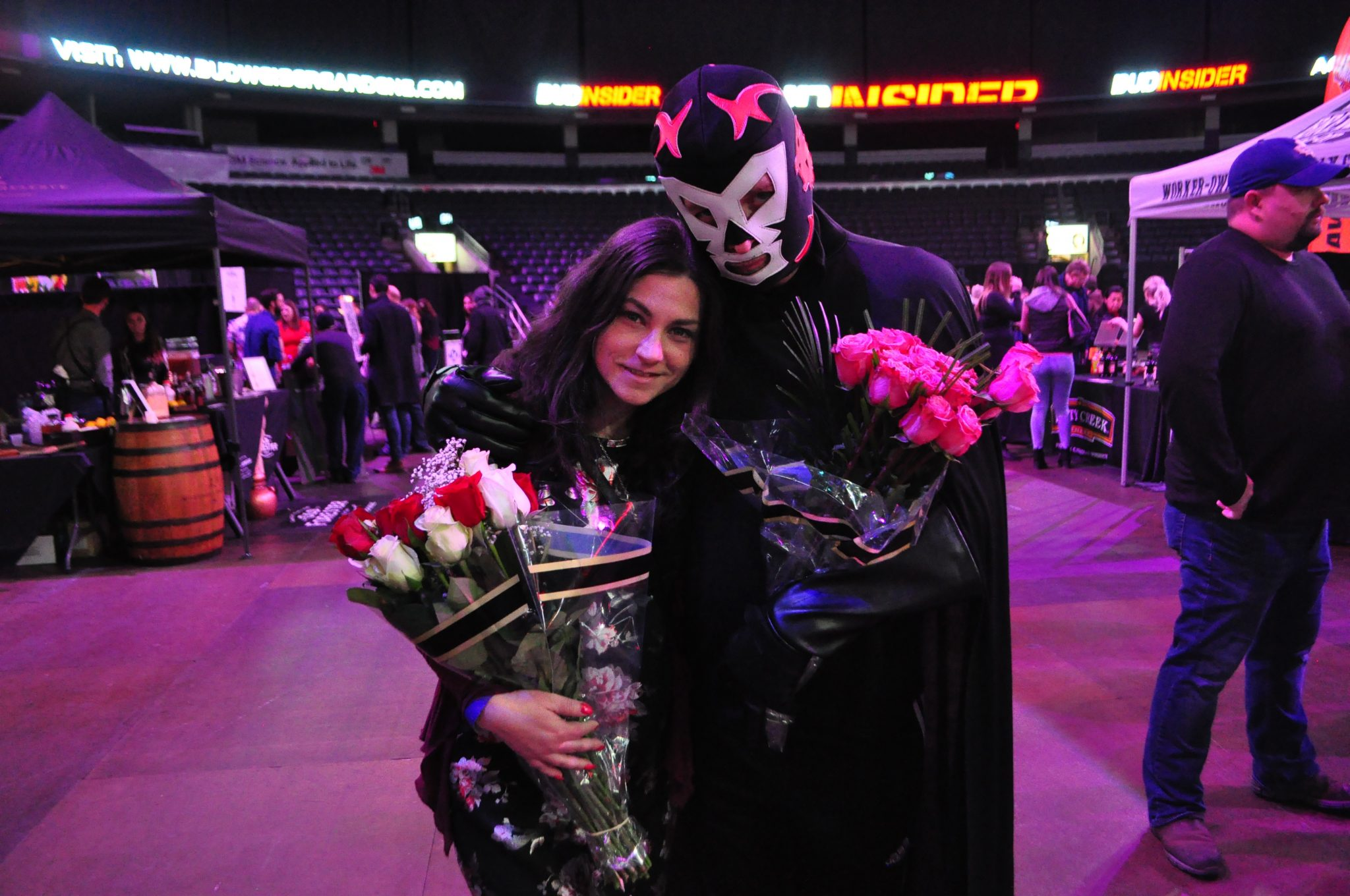 No show is complete without the man in the mask giving out roses.