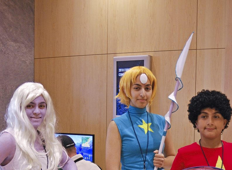 Forest City Comicon 2018. Laila Seif, Amany Seif, and Ali Seif cosplaying as Amethyst, Pearl, and Steven Universe from Steven Universe at Forest City Comicon in London, Ontario.
